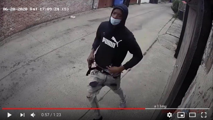 Surveillance footage released by Chicago Police of 19-year-old suspect Laroy Battle