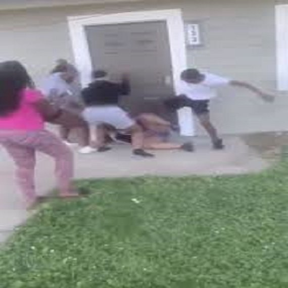 Wild brawl in Brooklyn, Illinois